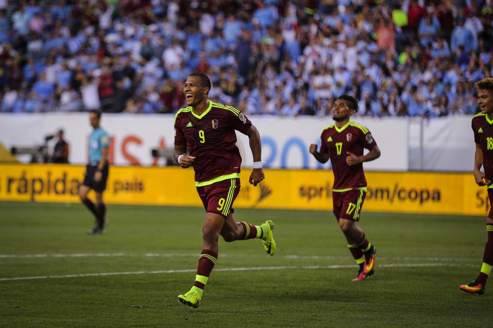 Record-breaking Rondón sends Venezuela through to the quarter-finals of the Copa América Centenario