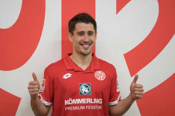 Bojan launches Mainz 05's Spanish Twitter account