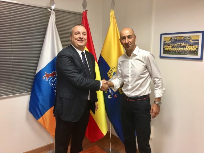 Pako Ayestarán named head coach of UD Las Palmas