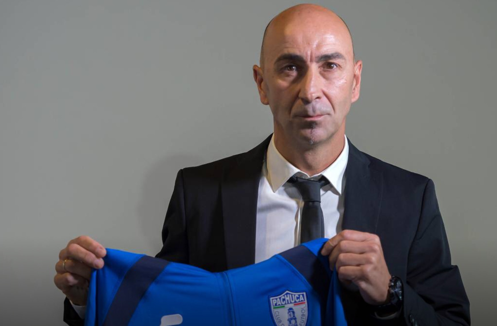 "Pako Ayestarán expresses ""great pride and excitement"" at unveiling as Pachuca manager"