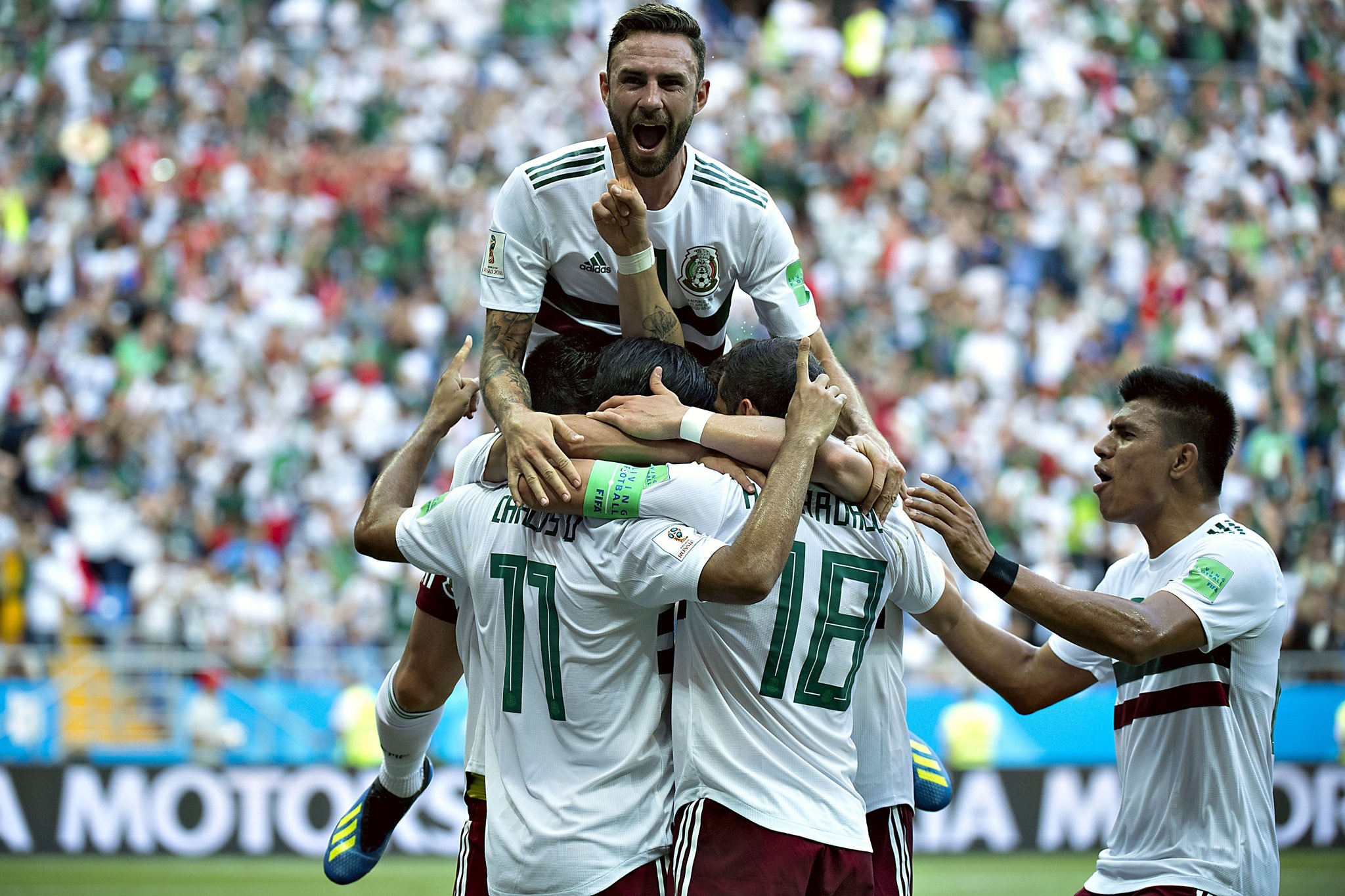 """Layún features on Spanish radio's El Larguero show: """"We're raring to continue progressing & go really far at the World Cup"""""""