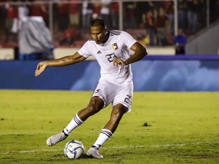 Dos goles de Salomón Rondón dan la victoria a Venezuela ante Panamá