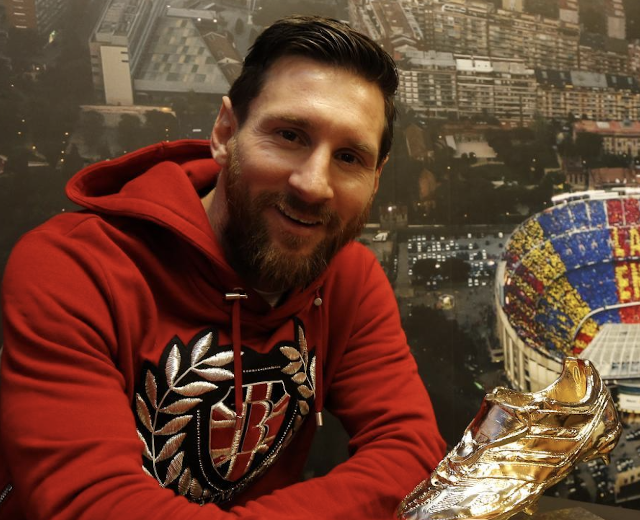 "Messi chats to ESM & MARCA after collecting fifth Golden Shoe: ""I love football, but my family comes before everything else"""