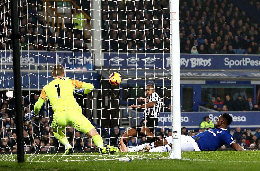 Rondon Premier League Newcastle Venezuela Delantero Gol Everton