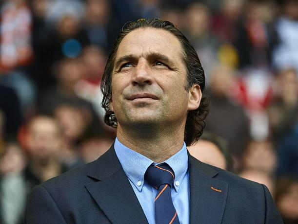 Juan Antonio Pizzi shares his thoughts with AS on the Valencia v Betis Copa del Rey semi