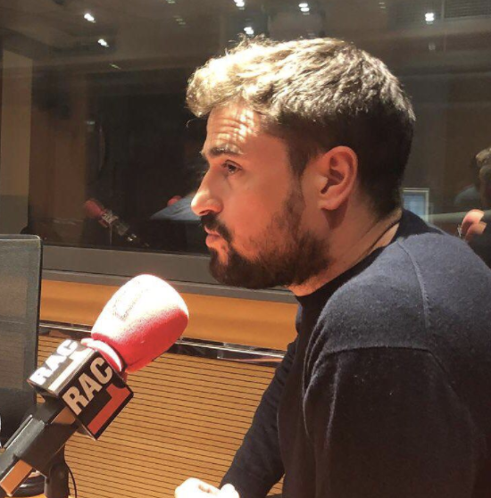 Pep Clotet drops in on RAC1 studios to discuss current success of English football on station's Tú Diràs show