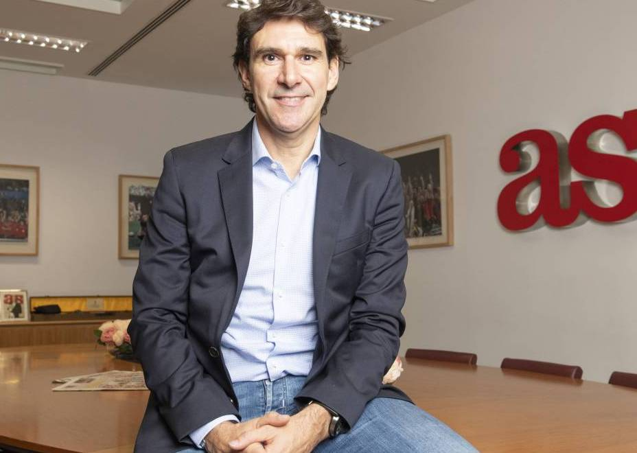 Karanka drops in on AS offices to talk about next steps in management career